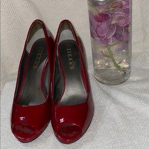 MODA red heels excellent conditions